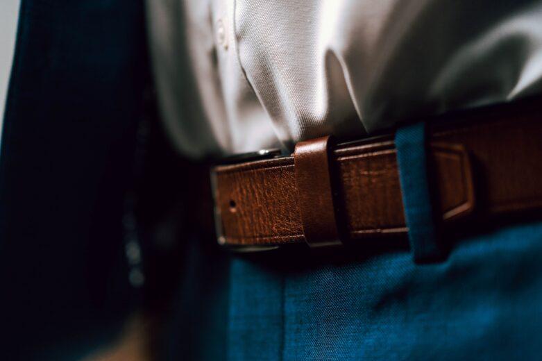 męski skórzany pasek do spodni z klamrą
